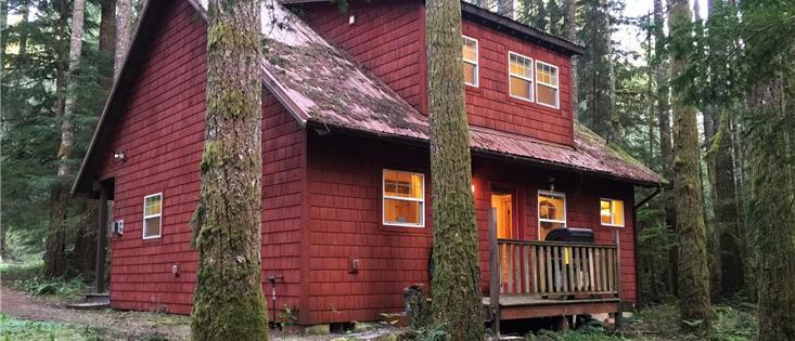 Mt. Baker Lodging's Cabin #12