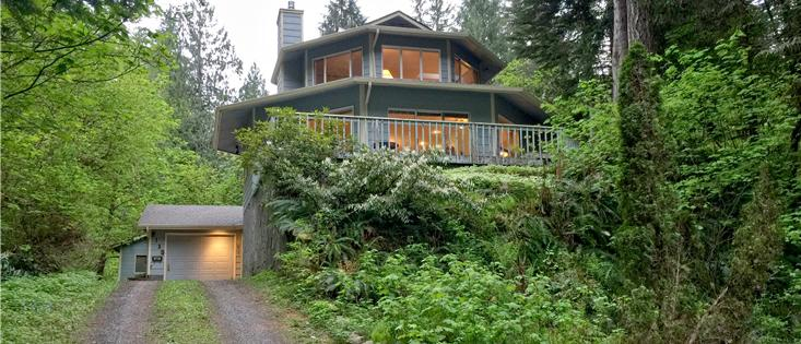 Mt. Baker Lodging's Cabin #13