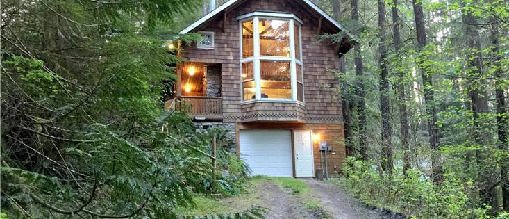 Mt. Baker Lodging's Cabin #25