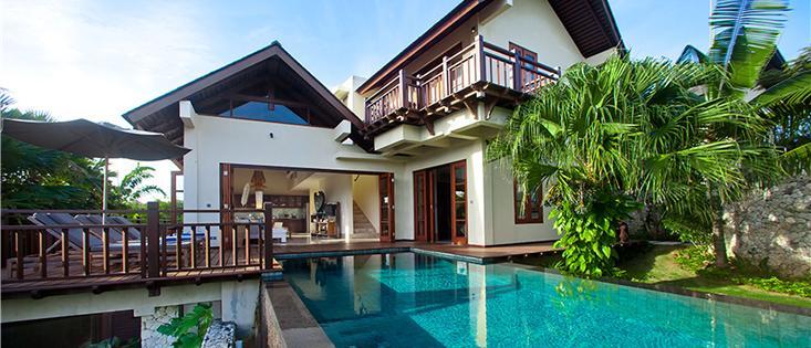 Villa Cantik Ungasan. 3 bdr / 8 people. Beach club