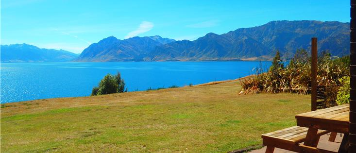 Lakefront Holiday House Lake Hawea, Wanaka