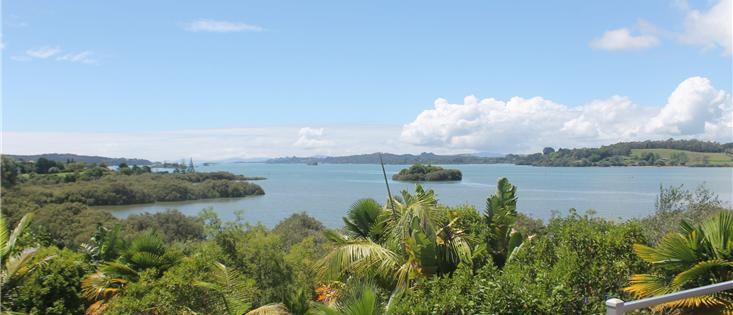 Tranquil Waterside Property in Bay of Islands