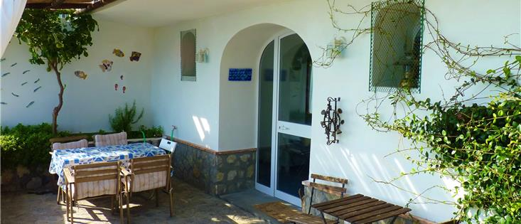 Mareluna Holiday Home