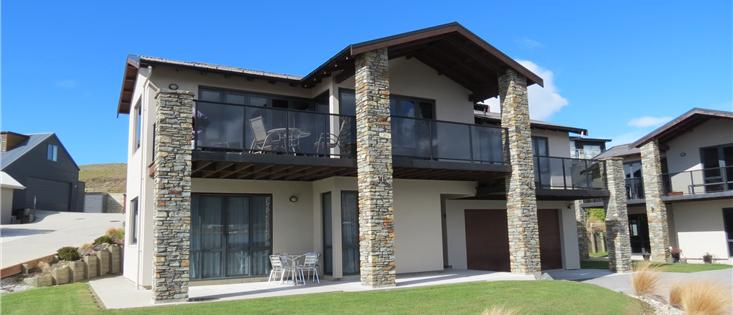 Lake Wanaka Executive Holiday Home